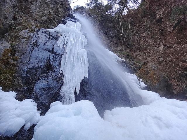 冬の川苔山(奥多摩) 入門雪山登山と百尋ノ滝の氷瀑
