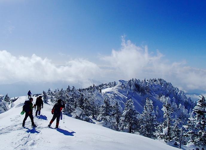 四阿山 ~~ 樹氷と稜線美しきスノーシュー雪山登山 ~~