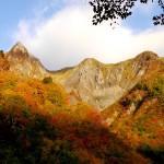 雨飾山 紅葉登山 (北アルプスと日本海の展望)