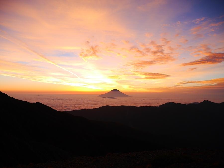 赤石岳~荒川三山 紅葉の南アルプス 1泊2日縦走登山