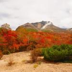 那須岳へ紅葉登山 沼原湿原~白笹山~南月山~姥ヶ原