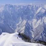 冬の白毛門 日帰り雪山登山 ~~眼前の谷川岳の雄姿と大雪庇~~