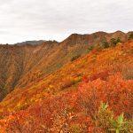 会津朝日岳 圧巻の紅葉風景広がる隠れた名峰へ 秋の日帰り登山