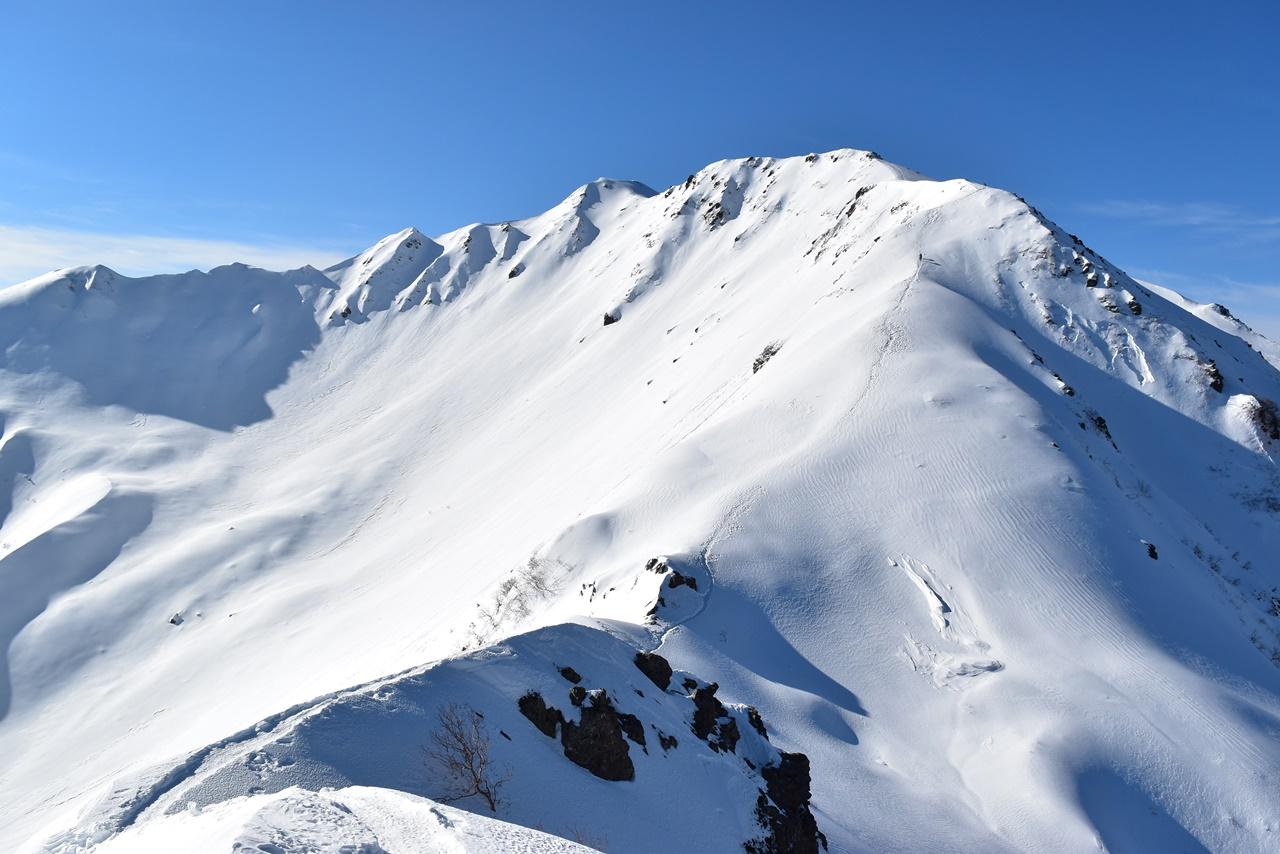 【南アルプス】冬の仙丈ヶ岳 山小屋泊で行く正月の雪山登山(後編)