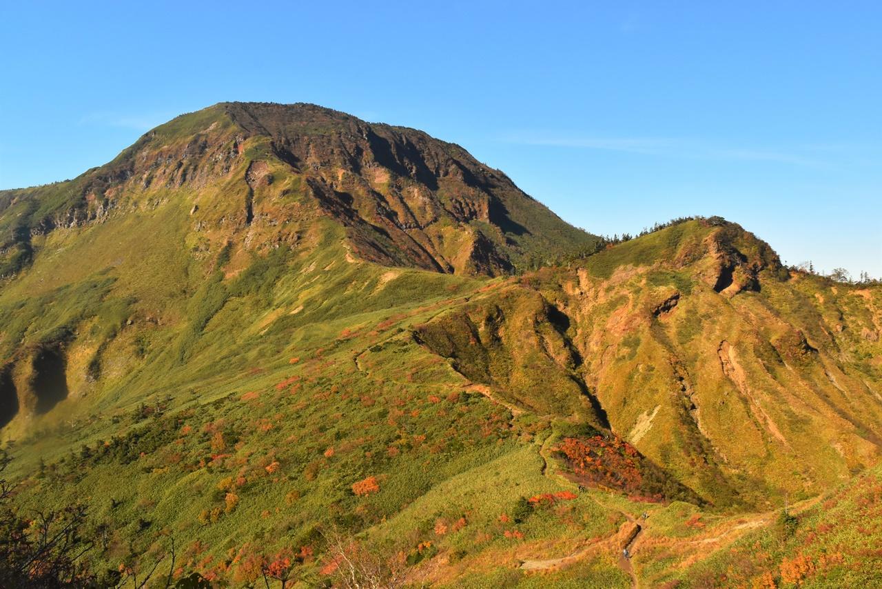 【新潟】苗場山(祓川コース)大湿原に広がる草紅葉の絶景 日帰り紅葉登山