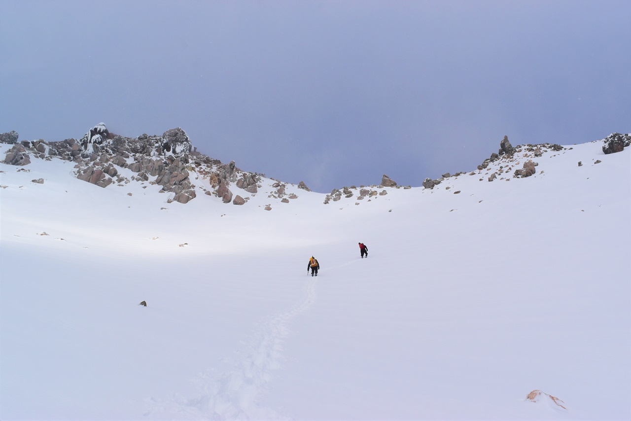 【北アルプス】冬の焼岳・中ノ湯温泉旅館泊 クリスマスイブに行く雪山登山