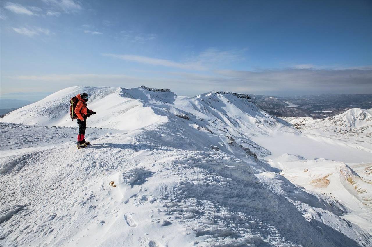 【東北】冬の安達太良山 日帰り雪山登山 凍結する爆裂火口と雪の絶景