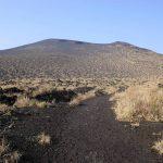 【伊豆大島】三原山登山 広大な砂漠と大火口 満開の桜と温泉の島旅へ